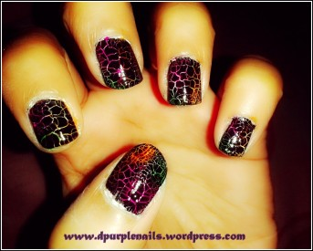 Colored crackle nails